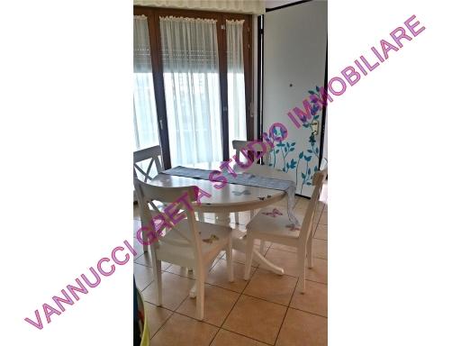 Appartamento in affitto a Fiesole, 4 locali, zona Località: CALDINE, prezzo € 950 | Cambio Casa.it