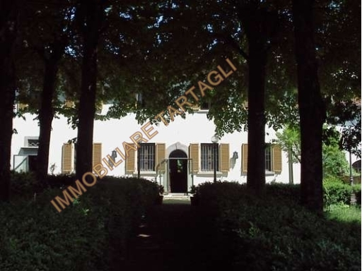 Villa in vendita a Rignano sull'Arno, 16 locali, zona Località: ROSANO, Trattative riservate | Cambio Casa.it