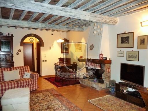 VILLA / VILLETTA / TERRATETTO terratetto in  vendita a PISCIALEMBITA - SOVICILLE (SI)