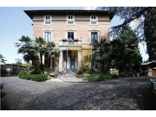 VILLA / VILLETTA / TERRATETTO villa in  vendita a CAVOUR - SIENA (SI)