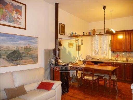 VILLA / VILLETTA / TERRATETTO terratetto in  vendita a CUNA - MONTERONI D'ARBIA (SI)