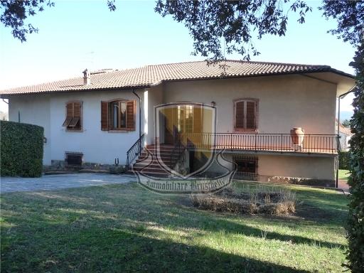 VILLA / VILLETTA / TERRATETTO villa in  vendita a COLLE DI VAL D'ELSA - COLLE DI VAL D'ELSA (SI)