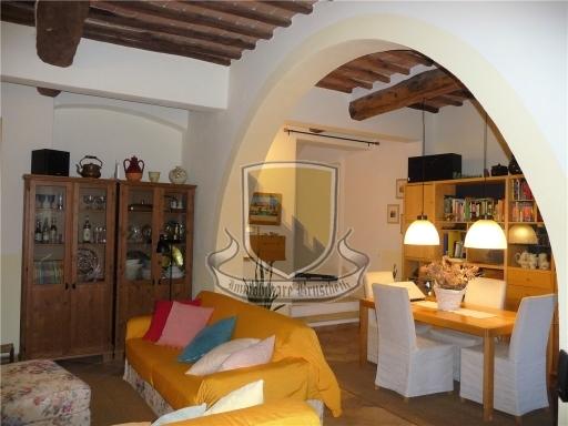 VILLA / VILLETTA / TERRATETTO porzione di villa in  vendita a BELCARO - SIENA (SI)