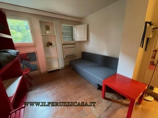 Appartamento in affitto a Greve in Chianti, 5 locali, zona Località: SAN POLO IN CHIANTI, prezzo € 750 | CambioCasa.it