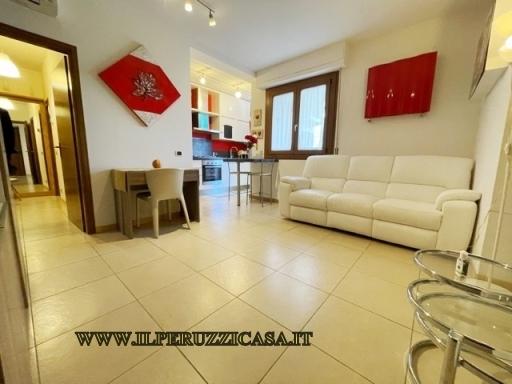 Appartamento in vendita a Rignano sull'Arno, 4 locali, zona Località: TROGHI-CELLAI, prezzo € 220.000 | CambioCasa.it