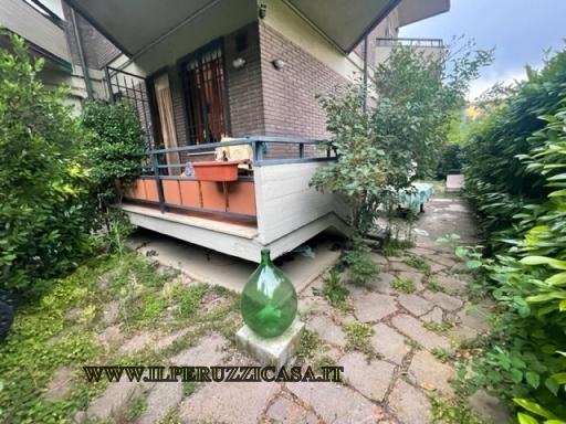 APPARTAMENTO civile abitazione in  vendita a CAREGGI - FIRENZE (FI)