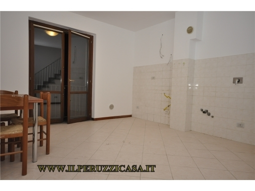 Appartamento in vendita a Rignano sull'Arno, 3 locali, zona Località: TROGHI-CELLAI, prezzo € 125.000 | CambioCasa.it