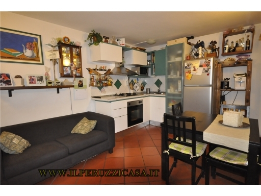 APPARTAMENTO civile abitazione in  vendita a POGGIO ALLA CROCE - GREVE IN CHIANTI (FI)