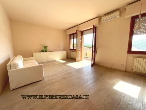 APPARTAMENTO civile abitazione in  vendita a VIAREGGIO - VIAREGGIO (LU)