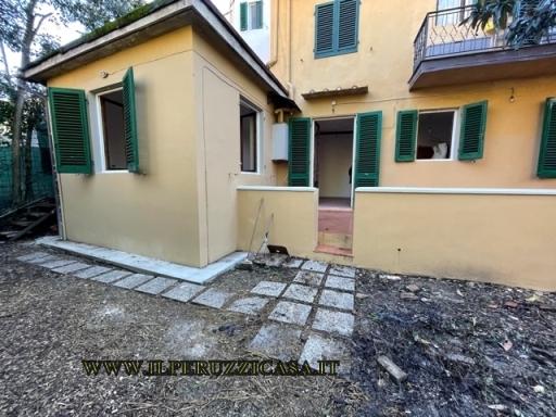 APPARTAMENTO civile abitazione in  affitto a EUROPA - FIRENZE (FI)
