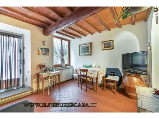 APPARTAMENTO civile abitazione in  vendita a COMPIOBBI - FIESOLE (FI)