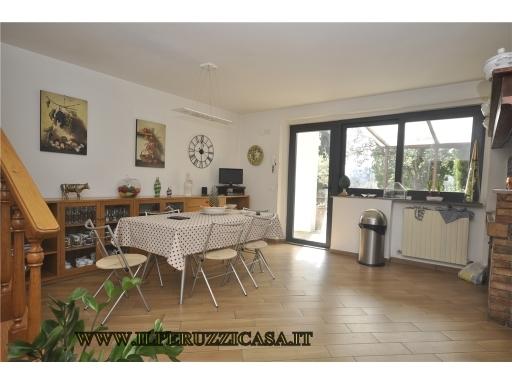 VILLA / VILLETTA / TERRATETTO porzione di villa in  vendita a TROGHI-CELLAI - RIGNANO SULL'ARNO (FI)