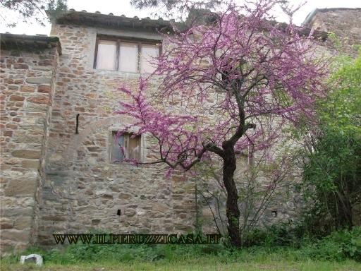 COLONICA porzione di colonica in  vendita a LUCOLENA - GREVE IN CHIANTI (FI)