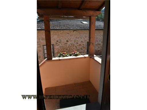 COLONICA porzione di colonica in  vendita a CINTOIA - GREVE IN CHIANTI (FI)