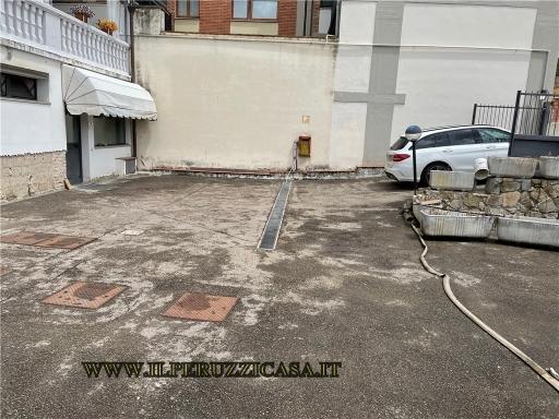 FONDO / NEGOZIO / UFFICIO fondo uso ufficio in  affitto a GRASSINA - BAGNO A RIPOLI (FI)