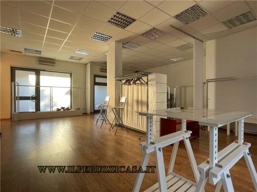 Ufficio / Studio in vendita a Firenze, 4 locali, zona Zona: 3 . Il Lippi, Novoli, Barsanti, Firenze Nord, Firenze Nova, prezzo € 250.000   CambioCasa.it