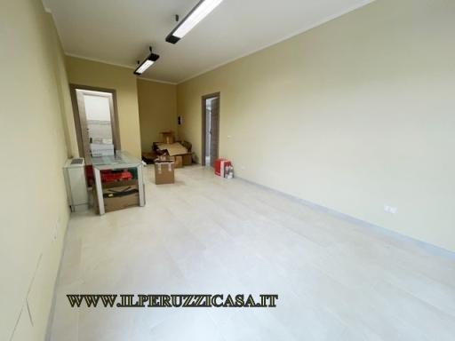 FONDO / NEGOZIO / UFFICIO fondo uso ufficio in  affitto a ANTELLA - BAGNO A RIPOLI (FI)