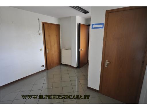 Ufficio / Studio in affitto a Bagno a Ripoli, 4 locali, zona Località: ANTELLA, prezzo € 900 | CambioCasa.it