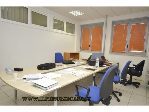 FONDO / NEGOZIO / UFFICIO fondo uso ufficio in  vendita a ANTELLA - BAGNO A RIPOLI (FI)