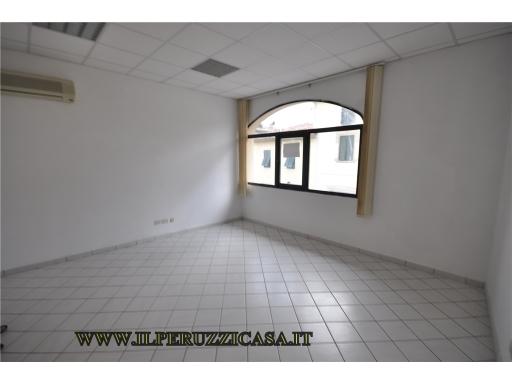 FONDO / NEGOZIO / UFFICIO appartamento uso ufficio in  affitto a GREVE IN CHIANTI - GREVE IN CHIANTI (FI)
