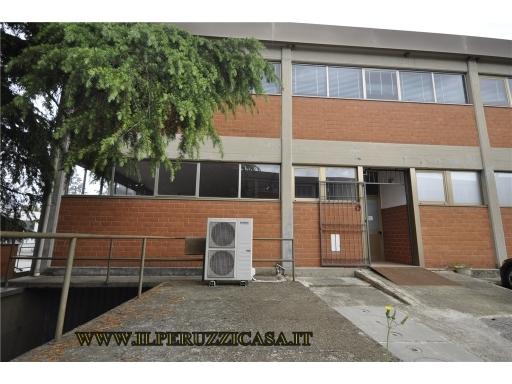 FONDO / NEGOZIO / UFFICIO artigianale in  affitto a CASCINE DEL RICCIO - FIRENZE (FI)