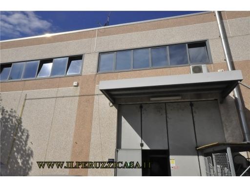 CAPANNONE / MAGAZZINO artigianale in  vendita a INDUSTRIALE - CALENZANO (FI)