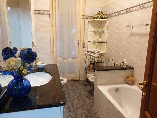 Appartamento in vendita a Firenze zona Isolotto - immagine 48