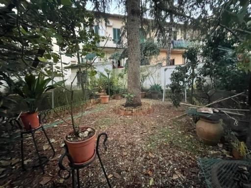 Villa / Villetta / Terratetto in vendita a Firenze zona Campo di marte-viale volta - immagine 2