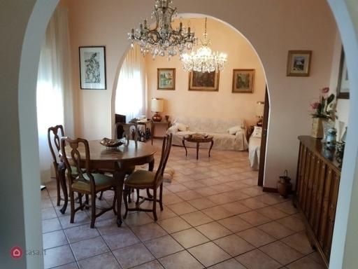 Villa / Villetta / Terratetto in vendita a Firenze zona Soffiano - immagine 2