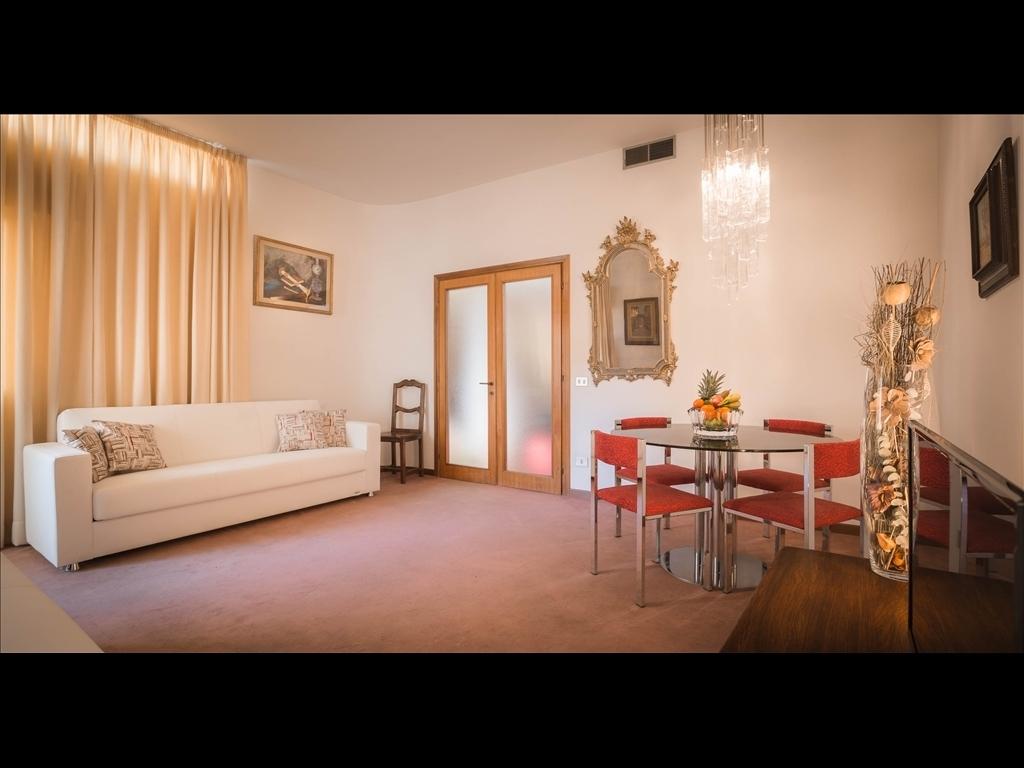 Appartamento in affitto a Firenze zona Piazza santa maria novella-piazza ognissanti - immagine 1