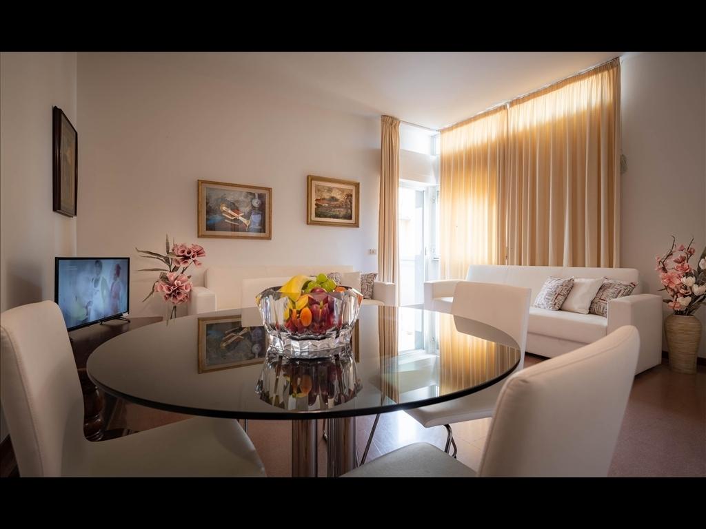 Appartamento in vendita a Firenze zona Piazza santa maria novella-piazza ognissanti - immagine 1