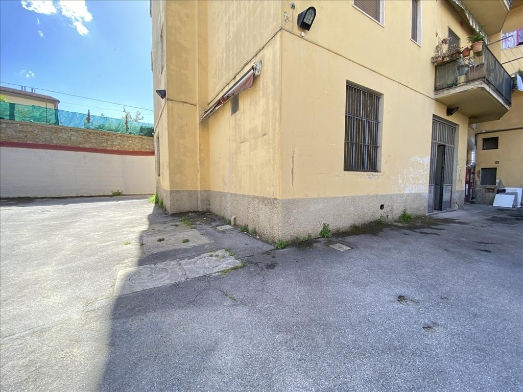 Capannone / Magazzino in affitto a Firenze zona Isolotto - immagine 12