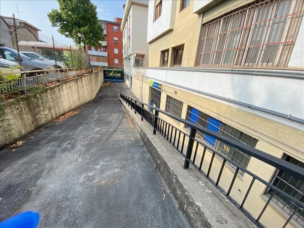 Capannone / Magazzino in affitto a Firenze zona Isolotto - immagine 17