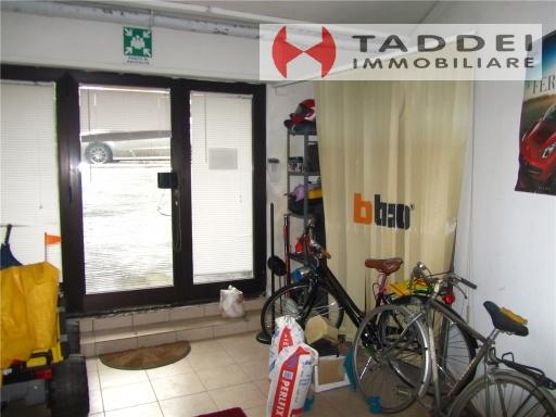 Magazzino in vendita a Scandicci, 4 locali, zona Località: CASELLINA, prezzo € 130.000 | CambioCasa.it