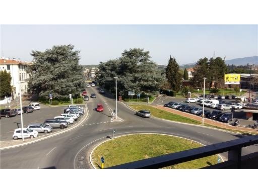Appartamento in vendita a Empoli, 7 locali, zona Località: CENTRO, prezzo € 350.000 | CambioCasa.it