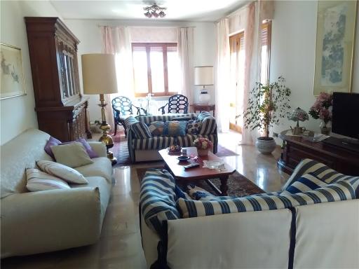 Appartamento in vendita a Vinci, 7 locali, zona Località: SOVIGLIANA, prezzo € 350.000 | CambioCasa.it