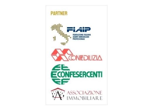 Appartamento in vendita a Empoli, 4 locali, zona Località: CENTRO, prezzo € 290.000 | Cambio Casa.it