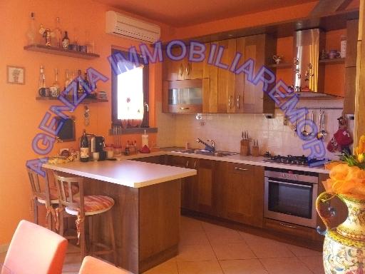 Appartamento in vendita a Cerreto Guidi, 4 locali, zona Località: CERRETO GUIDI, prezzo € 190.000 | Cambio Casa.it