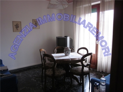 Appartamento in vendita a Siena, 5 locali, zona Località: STAZIONE, prezzo € 270.000 | Cambio Casa.it