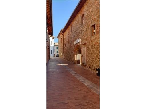 Appartamento in vendita a Montelupo Fiorentino, 5 locali, zona Località: MONTELUPO FIORENTINO, prezzo € 170.000 | CambioCasa.it
