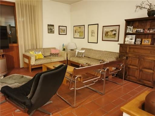 Appartamento in vendita a Fucecchio, 6 locali, zona Località: FUCECCHIO, prezzo € 160.000 | CambioCasa.it