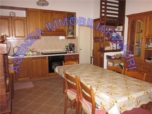 Villa in vendita a Cerreto Guidi, 7 locali, zona Località: CERRETO GUIDI, prezzo € 280.000 | Cambio Casa.it