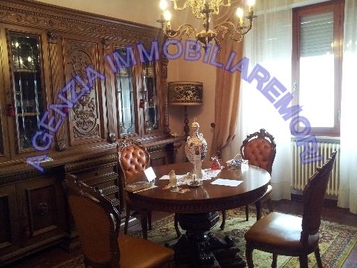 Villa in vendita a San Miniato, 10 locali, zona Località: PONTE A EGOLA, prezzo € 390.000 | Cambio Casa.it