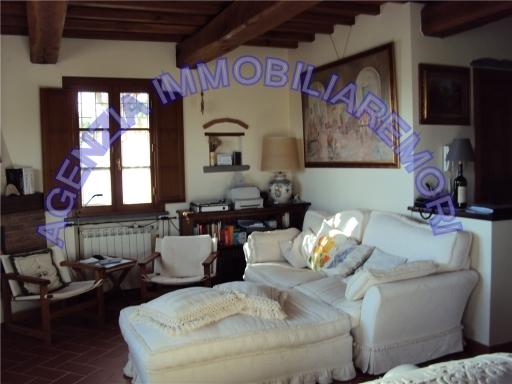 Villa in vendita a Fucecchio, 7 locali, zona Località: TORRE, prezzo € 490.000 | Cambio Casa.it