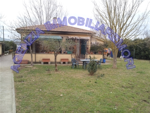 Villa in vendita a Empoli, 3 locali, zona Località: EMPOLI EST, prezzo € 390.000 | Cambio Casa.it