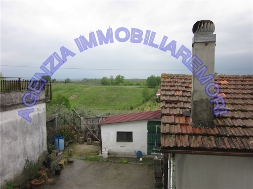 VILLA / VILLETTA / TERRATETTO terratetto in  vendita a LA STELLA - VINCI (FI)