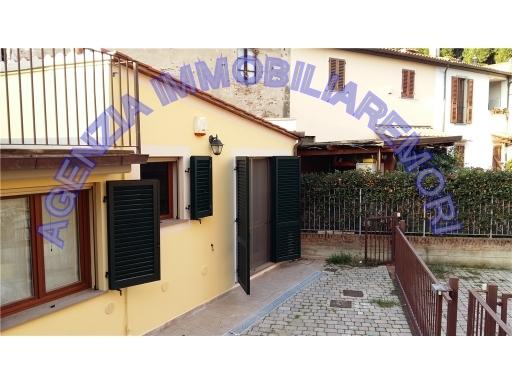 Villa in vendita a Empoli, 3 locali, zona Località: CENTRO, prezzo € 180.000 | Cambio Casa.it