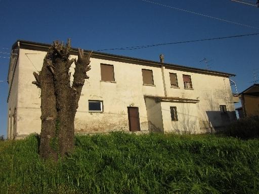 Rustico / Casale in vendita a Cerreto Guidi, 8 locali, zona Località: SAN ZIO, Trattative riservate | Cambio Casa.it