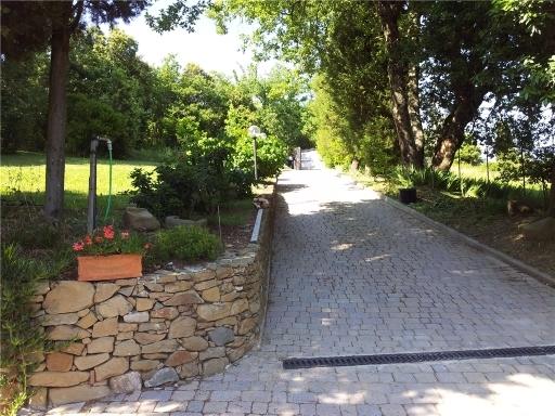 Rustico / Casale in vendita a Capraia e Limite, 10 locali, zona Località: CASTRA, prezzo € 870.000 | Cambio Casa.it