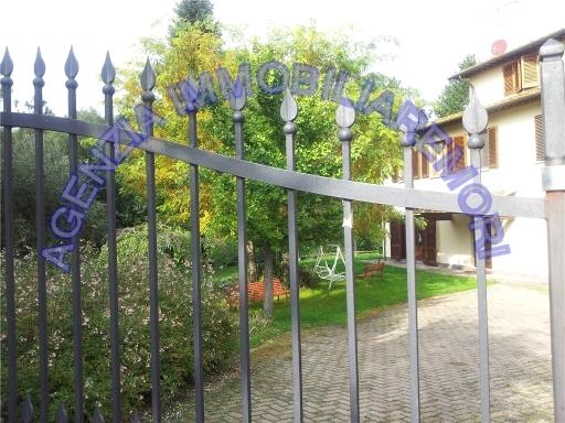 Rustico / Casale in vendita a Capraia e Limite, 10 locali, zona Località: LIMITE SULL'ARNO, Trattative riservate | Cambio Casa.it